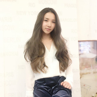 外国人風 アンニュイ 外国人風カラー ウェーブ ヘアスタイルや髪型の写真・画像