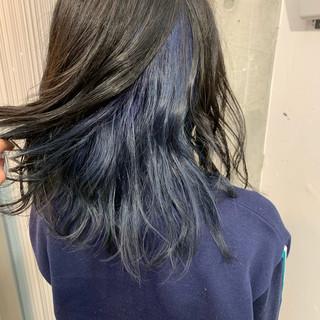 ダブルカラー セミロング インナーカラー ブルージュ ヘアスタイルや髪型の写真・画像