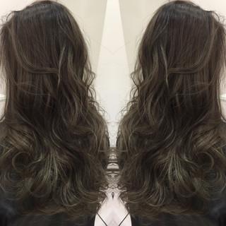 グラデーションカラー 暗髪 アッシュ ハイライト ヘアスタイルや髪型の写真・画像 ヘアスタイルや髪型の写真・画像