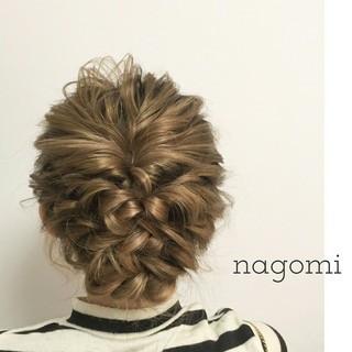 結婚式 セミロング ルーズ 編み込み ヘアスタイルや髪型の写真・画像