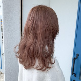 ナチュラル リアルサロン ブリーチ ダブルカラー ヘアスタイルや髪型の写真・画像