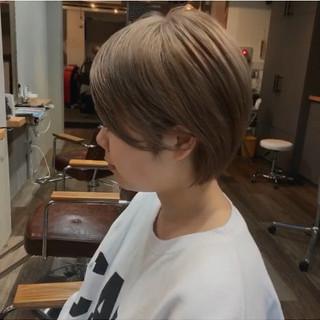 アッシュグレージュ ミルクティーベージュ アッシュベージュ ショート ヘアスタイルや髪型の写真・画像