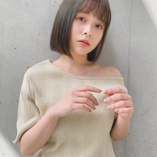 デジタルパーマ 透明感カラー 鎖骨ミディアム オリーブベージュ ヘアスタイルや髪型の写真・画像