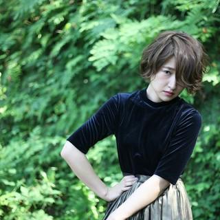 うざバング アッシュ グレージュ ショートボブ ヘアスタイルや髪型の写真・画像