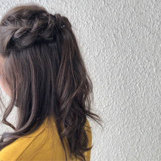 ロープ編み ロング ヘアアレンジ フェミニン ヘアスタイルや髪型の写真・画像