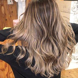 外国人風 アンニュイほつれヘア ロング ナチュラル ヘアスタイルや髪型の写真・画像