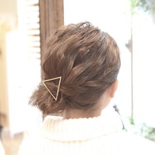 編み込み デート ナチュラル ミディアム ヘアスタイルや髪型の写真・画像