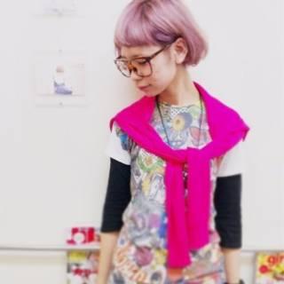 外国人風 ピンク 刈り上げ レッド ヘアスタイルや髪型の写真・画像