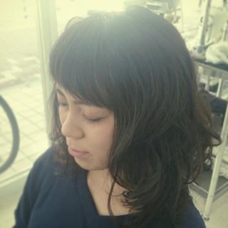 ミディアム ナチュラル ゆるふわ 暗髪 ヘアスタイルや髪型の写真・画像 ヘアスタイルや髪型の写真・画像