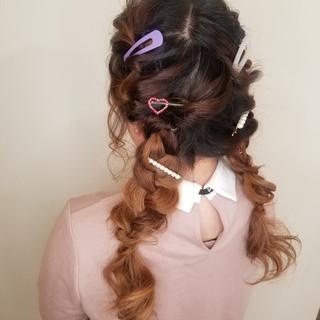 ガーリー ツインテール ロング 波ウェーブ ヘアスタイルや髪型の写真・画像