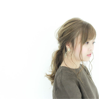 アッシュ ローポニーテール ロング ヘアアレンジ ヘアスタイルや髪型の写真・画像