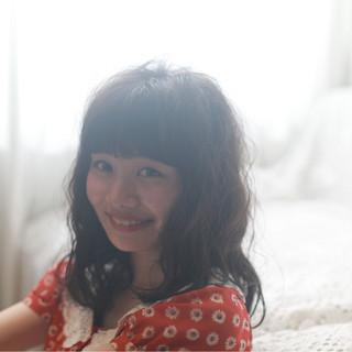 前髪パッツン ガーリー アンニュイ デート ヘアスタイルや髪型の写真・画像