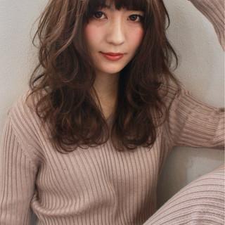 グレージュ バレンタイン ハイライト フェミニン ヘアスタイルや髪型の写真・画像