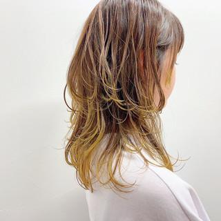 セミロング ブリーチカラー ハイトーンカラー お洒落 ヘアスタイルや髪型の写真・画像