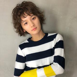 アンニュイ パーマ ショート ショートバング ヘアスタイルや髪型の写真・画像