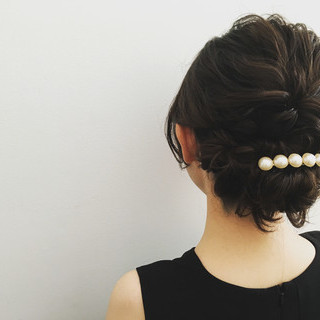 ヘアアレンジ セミロング 上品 エレガント ヘアスタイルや髪型の写真・画像