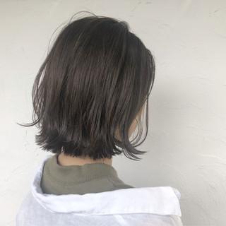 ネイビーカラー 縮毛矯正 ボブ シルバーアッシュ ヘアスタイルや髪型の写真・画像