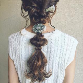ロング 簡単ヘアアレンジ アッシュ 大人かわいい ヘアスタイルや髪型の写真・画像