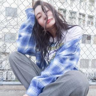 ストリート ストレート 暗髪 外国人風 ヘアスタイルや髪型の写真・画像