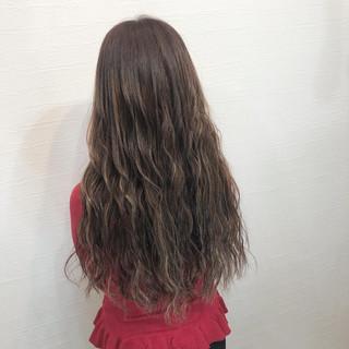 ナチュラル 簡単ヘアアレンジ ハイライト アッシュベージュ ヘアスタイルや髪型の写真・画像
