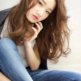 小顔 ゆるふわ 大人女子 外国人風 ヘアスタイルや髪型の写真・画像