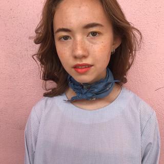 リラックス ミディアム モード 透明感 ヘアスタイルや髪型の写真・画像