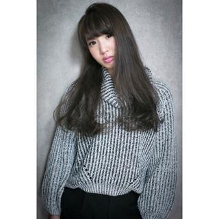 アッシュ ロング ストリート ハイライト ヘアスタイルや髪型の写真・画像