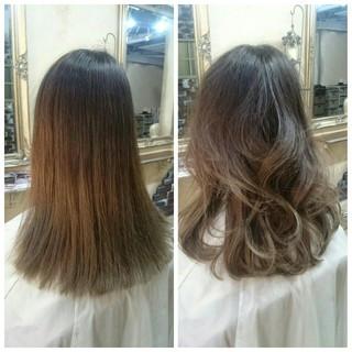 ミディアム ガーリー グラデーションカラー 外国人風 ヘアスタイルや髪型の写真・画像