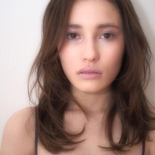 簡単 ミディアム ラフ フェミニン ヘアスタイルや髪型の写真・画像