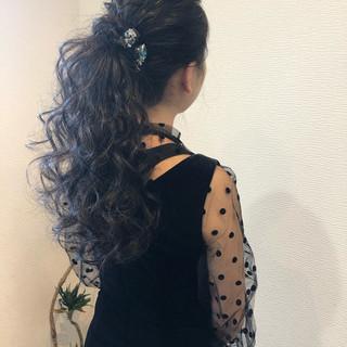 ポニーテールアレンジ ねじり ロング フェミニン ヘアスタイルや髪型の写真・画像