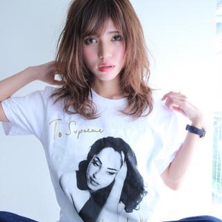 外国人風 ミディアム モテ髪 イルミナカラー ヘアスタイルや髪型の写真・画像