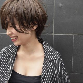 小顔 ウェットヘア 抜け感 ナチュラル ヘアスタイルや髪型の写真・画像