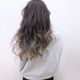 グラデーションカラー 冬 グレージュ 外国人風 ヘアスタイルや髪型の写真・画像
