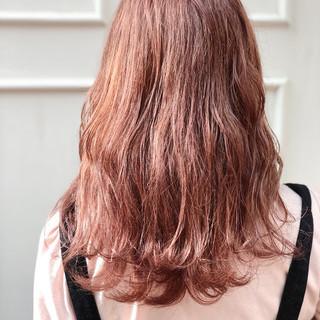 ロング イルミナカラー フェミニン パーティ ヘアスタイルや髪型の写真・画像
