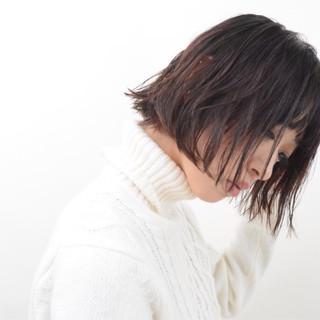 前髪パッツン インナーカラー ボブ ナチュラル ヘアスタイルや髪型の写真・画像