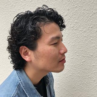 ミディアム ウルフカット ストリート パーマ ヘアスタイルや髪型の写真・画像