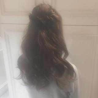 デート ロング ミルクティー ハーフアップ ヘアスタイルや髪型の写真・画像