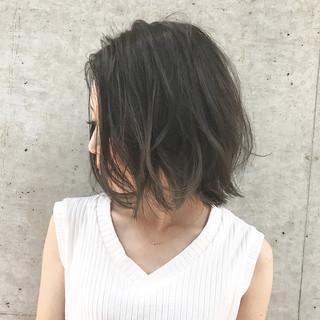 ミディアム センターパート ストリート 大人女子 ヘアスタイルや髪型の写真・画像