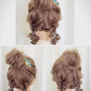 編み込み 夏 ヘアアレンジ お団子 ヘアスタイルや髪型の写真・画像