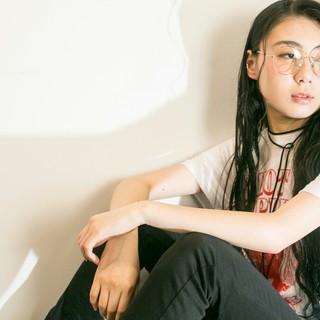 ウェットヘア 外国人風 黒髪 レディース ヘアスタイルや髪型の写真・画像 ヘアスタイルや髪型の写真・画像