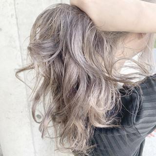 グラデーションカラー 透明感カラー セミロング ラベージュ ヘアスタイルや髪型の写真・画像