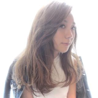 かき上げ前髪 前髪あり ガーリー グラデーションカラー ヘアスタイルや髪型の写真・画像
