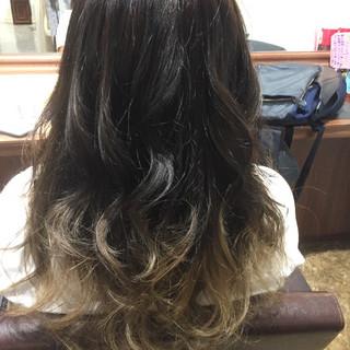 グレージュ 外国人風カラー グラデーションカラー セミロング ヘアスタイルや髪型の写真・画像 ヘアスタイルや髪型の写真・画像