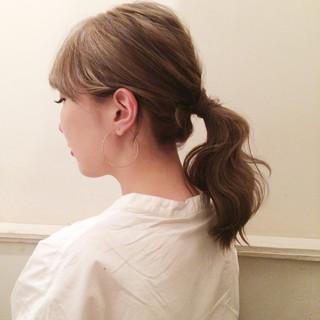 ミディアム ヘアアレンジ ポニーテール ナチュラル ヘアスタイルや髪型の写真・画像 ヘアスタイルや髪型の写真・画像
