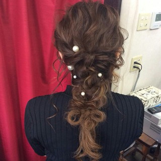ナチュラル 編み込み 結婚式 ハーフアップ ヘアスタイルや髪型の写真・画像