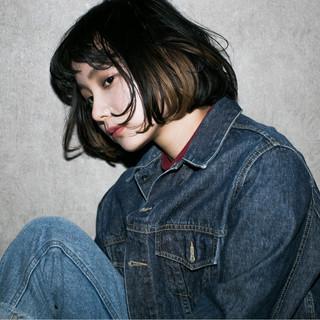 外ハネ 大人かわいい 外国人風 暗髪 ヘアスタイルや髪型の写真・画像