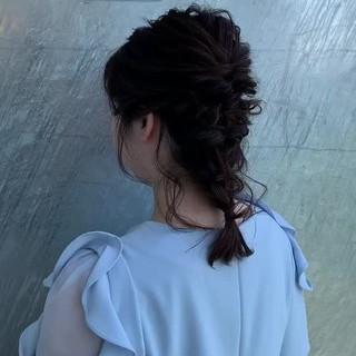 編みおろし フェミニン セミロング 結婚式 ヘアスタイルや髪型の写真・画像