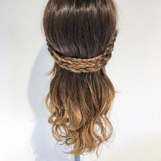 アウトドア フェミニン 簡単ヘアアレンジ デート ヘアスタイルや髪型の写真・画像 ヘアスタイルや髪型の写真・画像