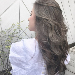シースルーバング 外国人風カラー ナチュラル バレイヤージュ ヘアスタイルや髪型の写真・画像