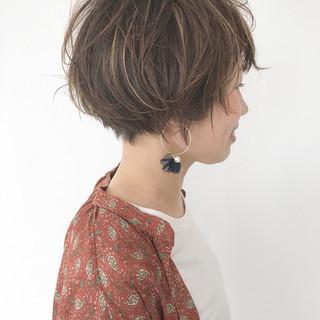 小顔 ミルクティーベージュ こなれ感 ガーリー ヘアスタイルや髪型の写真・画像